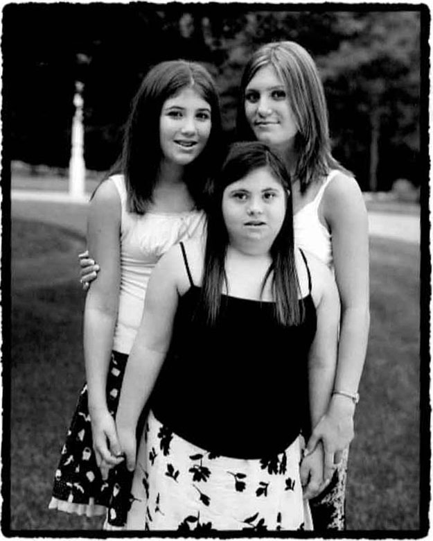 Melissa Riggio and two sisters